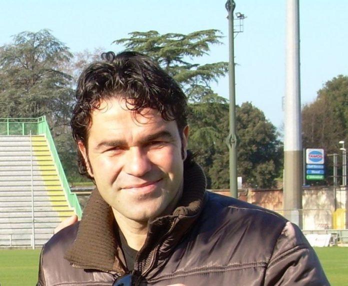 Maglione Accettate Notizie Dimissioni Di Le Segesta Comunicato 5YnwaqX5