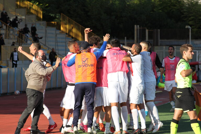 Savoia-Afragolese 2-0